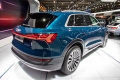 Coche eléctrico 2019 de Audi e-Tron SUV imagenes de archivo