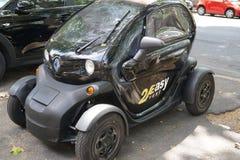 coche eléctrico de la ciudad del alquiler 2Easy Imagen de archivo