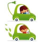 Coche eléctrico verde y coche verde Fotografía de archivo