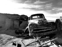 Coche en el desierto Imagen de archivo