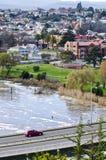 Coche en el puente de Patterson, Launceston, Tasmania Imagen de archivo libre de regalías