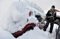 Coche en invierno Foto de archivo libre de regalías