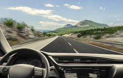 Coche en la carretera Imagen de archivo
