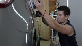 Coche gris de pulido Serie de detalle del coche almacen de video