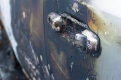 Coche gris quemado imagen de archivo