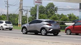 Coche híbrido de SUV de la nueva de Toyota CHR cruce del Subcompact metrajes
