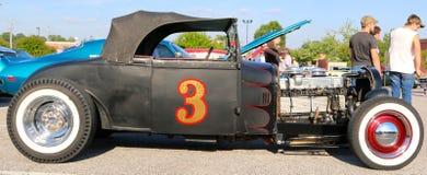 Coche negro del descapotable de la antigüedad del T-cubo de Ford de los años 40 Imagenes de archivo