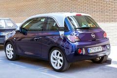 Coche Opel Adán del Subcompact Transporte respetuoso del medio ambiente fotografía de archivo