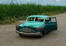 Coche plegable del juguete del vintage Fotos de archivo