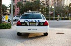 Coche polic?a en la calle La Florida, los E fotografía de archivo
