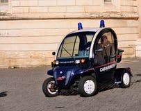 Coche policía eléctrico - Carabinieri Fotos de archivo libres de regalías
