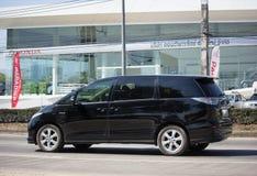 Coche privado de Toyota Estima fotografía de archivo libre de regalías