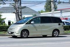 Coche privado de Toyota Estima foto de archivo libre de regalías