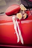 Coche que se casa adornado Imagen de archivo libre de regalías