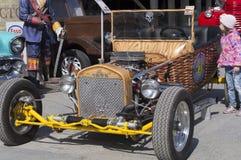 Coche retro Ford Fotos de archivo libres de regalías