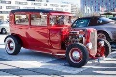 Coche retro Ford Model Tudor Sedan, 1928 Fotos de archivo libres de regalías