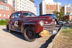 Coche retro Ford Super Deluxe 1946 años Foto de archivo libre de regalías