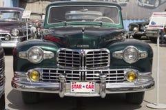 Coche retro Lincoln Continental Fotos de archivo libres de regalías
