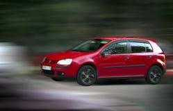 Coche rojo de Volkswagen foto de archivo libre de regalías