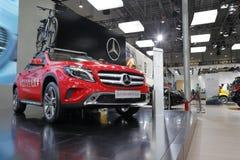 Coche rojo del estilo 4matic del gla 220 del Mercedes-Benz Imagen de archivo