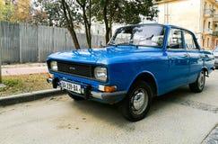 Coche soviético azul Imagenes de archivo