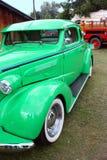 Coche verde de la vendimia Foto de archivo libre de regalías