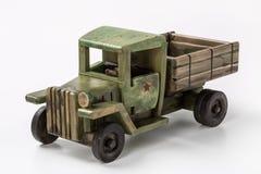 Coche verde del juguete del camión del vintage hecho de la madera Fotografía de archivo libre de regalías
