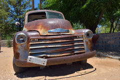 Coche viejo abandonado de Chevrolet Imagenes de archivo