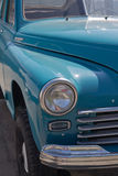 Coche viejo azul Imagen de archivo libre de regalías