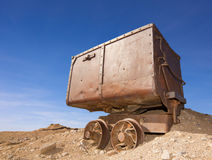 Coche viejo del mineral Foto de archivo libre de regalías