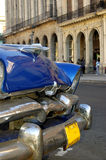 Coche viejo en La Habana, Cuba Imágenes de archivo libres de regalías