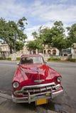 Coche viejo en La Habana, Cuba Foto de archivo libre de regalías