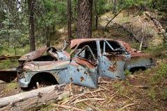 Coche viejo en montañas en la cabina del minero cerca del Prescott, Arizona Fotografía de archivo libre de regalías