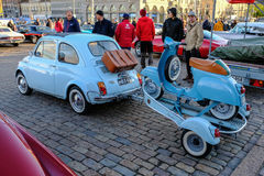 Coche viejo FIAT 500L de Helsinki, Finlandia Fotos de archivo