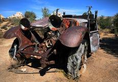Coche viejo oxidado Imagen de archivo libre de regalías