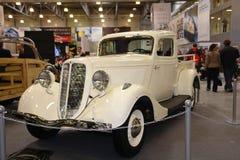Coche viejo Pontiac en la exposición de coches en Moscú 2008 años Imágenes de archivo libres de regalías