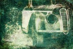 Coche viejo que aherrumbra en bosque, Imágenes de archivo libres de regalías