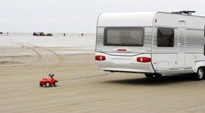 Coche y caravana del juguete Fotos de archivo libres de regalías
