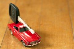 Coche y clave del coche Imagen de archivo