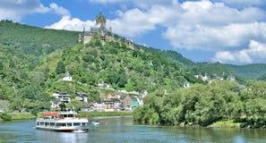 Cochem Mosel flod, Mosel dal, Tyskland Arkivfoton