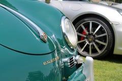 Coches de deportes de Porsche en una formación Foto de archivo