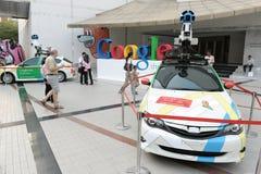 Coches de Google Maps en la demostración en Bangkok Imagen de archivo