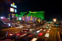 Coches de la calle de Las Vegas en el movimiento Imagen de archivo libre de regalías