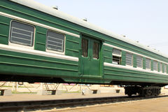 Coches de tren verdes Imagenes de archivo