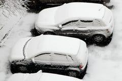 Coches en la nieve Fotografía de archivo libre de regalías