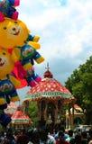 Coches parivar hermosos del templo en el gran festival del coche del templo del templo thyagarajar del sri del thiruvarur imagen de archivo libre de regalías
