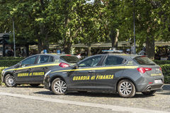 Coches patrulla del guardia financiero Rome Fotografía de archivo