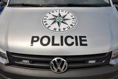 Coches policía Volkswagen Multivan Imagenes de archivo