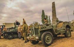 Coches y vehículos militares Imágenes de archivo libres de regalías