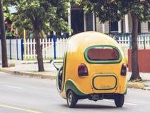 Cochi Mobil del taxi in Havana Cuba fotografia stock libera da diritti